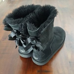 Ugg boots uggs youth girl bows size 3 black